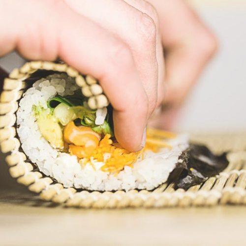Rouler-un-sushi